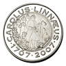 Photograph of a 200-kronor commemorative coin in silver, obverse side, Carl von Linné 300 years